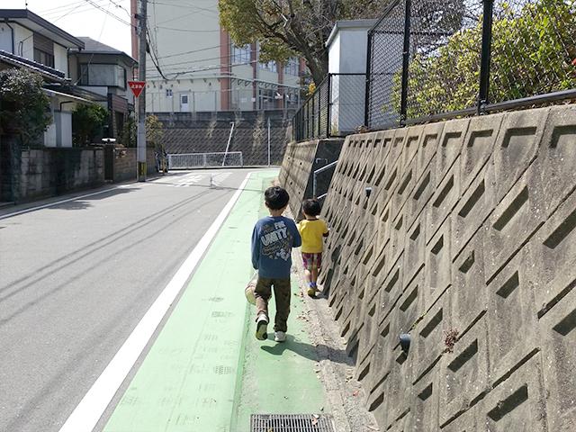 カラー舗装よる歩道と車道の視覚的分離2