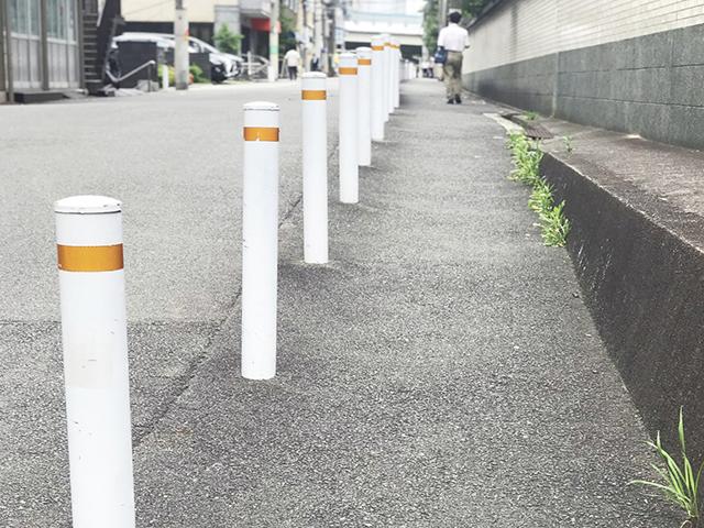 防護柵による歩道と車道の分離