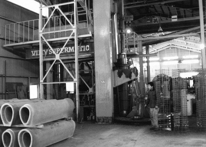 高圧コンクリート工業株式会社岡山工場にバイコン成型機をデンマークより導入イメージ2