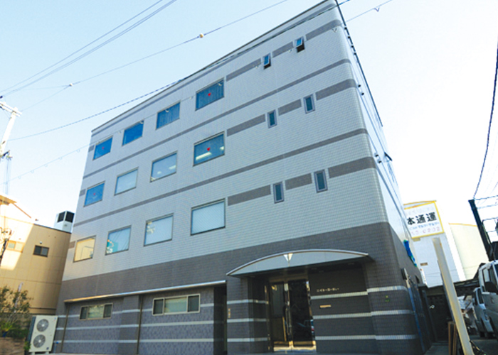 大阪市北区中津に大阪本部を設置、本社機能を移転