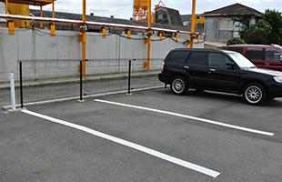 駐車場の区画線