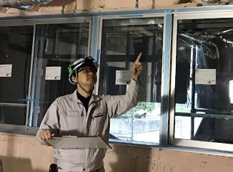 建築設備部工事室では、空調設備や衛生設備工事の安全管理や工程管理、施工計画・施工図面の作成、工事の施工に従事する協力業者の管理など、総合的な工事施工管理を行っています。また、工事に関する見積書の作成を行っています。
