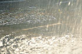 中小河川の氾濫や土砂崩れ、がけ崩れなどによる大きな被害